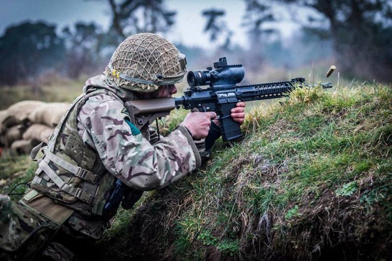 Armée Britannique/British Armed Forces - Page 13 00b428