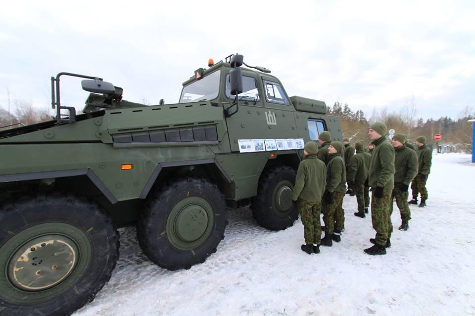 Armée lituanienne/Lithuanian Armed Forces - Page 6 00b446