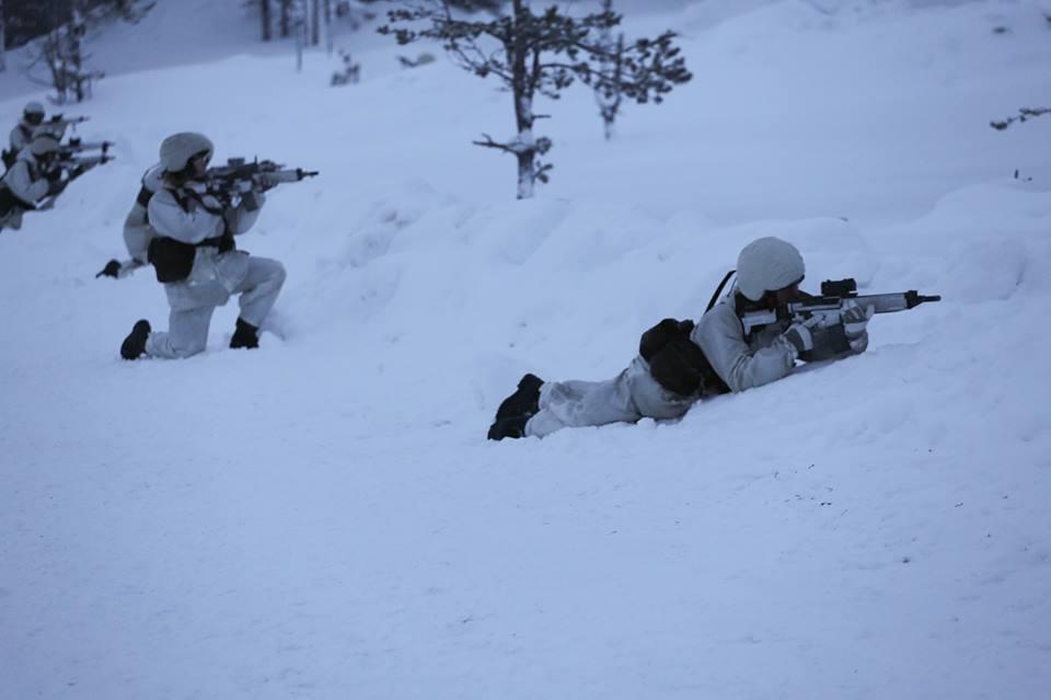 Swedish Armed Forces/Försvarsmakten - Page 13 00b511