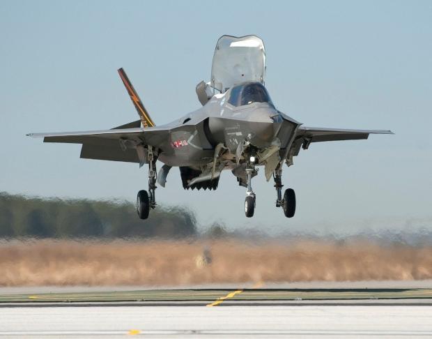 JSF F-35 Lightning II - Page 37 00b522