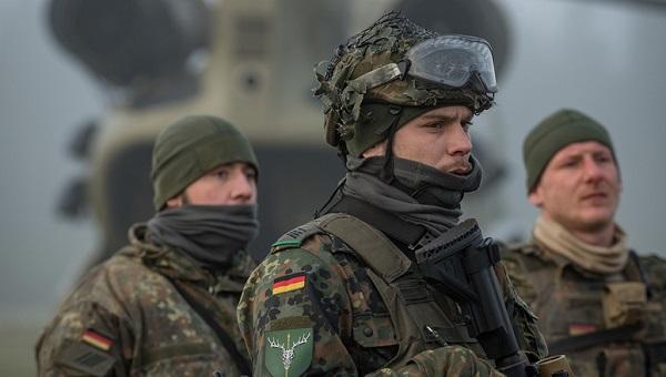 Armée Allemande (Bundeswehr) - Page 8 00b539