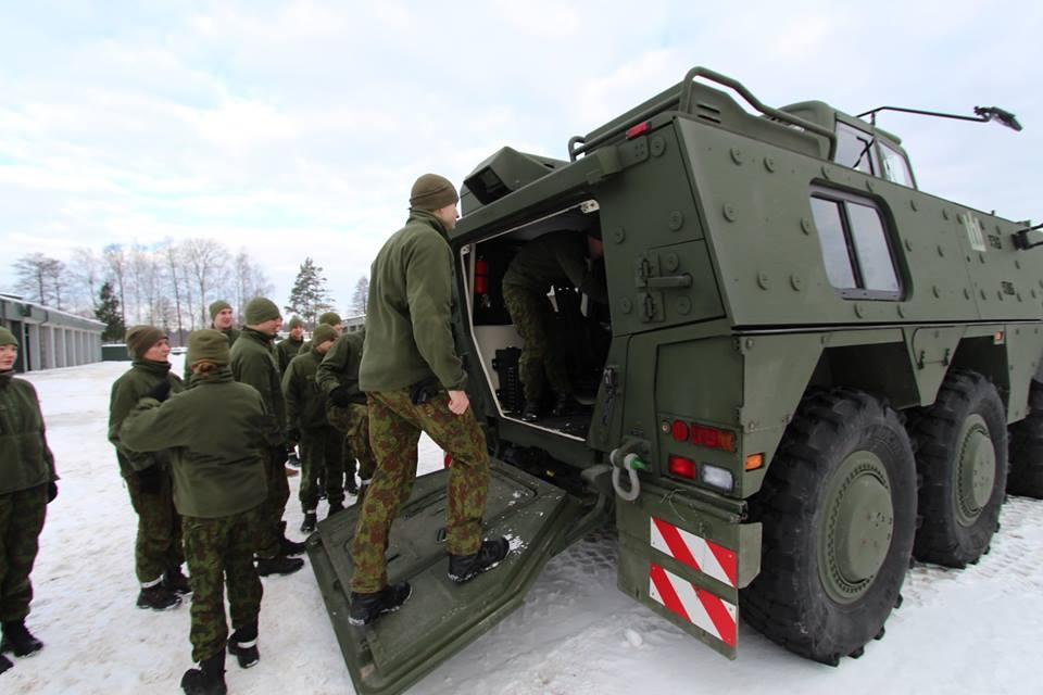 Armée lituanienne/Lithuanian Armed Forces - Page 6 00b552