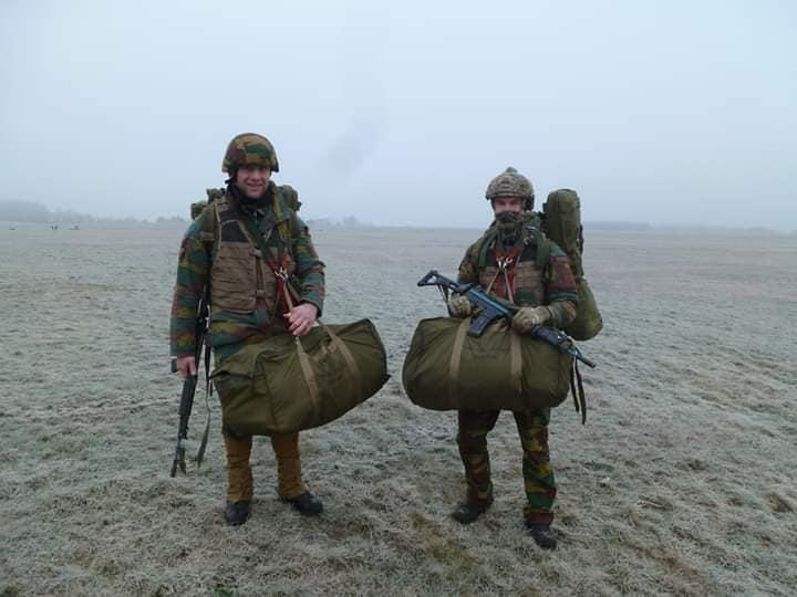 Armée Belge / Defensie van België / Belgian Army  - Page 19 00b624