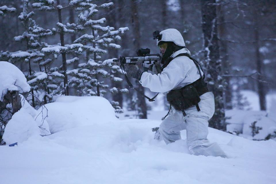 Swedish Armed Forces/Försvarsmakten - Page 13 00b811