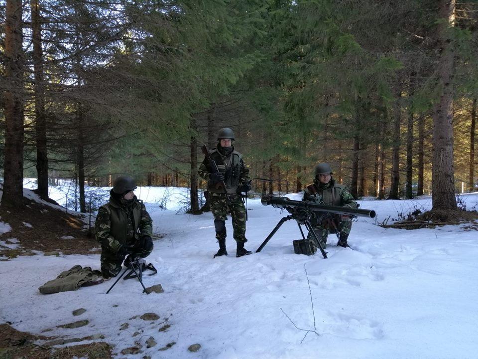 Armée Roumaine/Romanian Armed Forces/Forţele Armate Române - Page 12 00b845