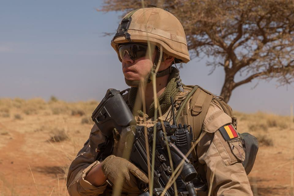 Armée Belge / Defensie van België / Belgian Army  - Page 20 00b8b33
