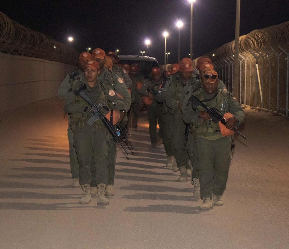 Les Forces militaires de la République des Fidji  /Republic of Fiji Military Forces (RFMF) 00b8d24