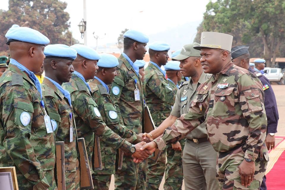 Intervention militaire en Centrafrique - Opération Sangaris - Page 40 00b8g50