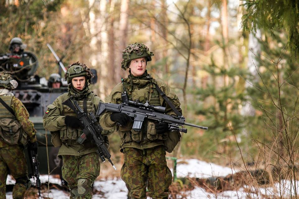 Armée lituanienne/Lithuanian Armed Forces - Page 6 00b8g74