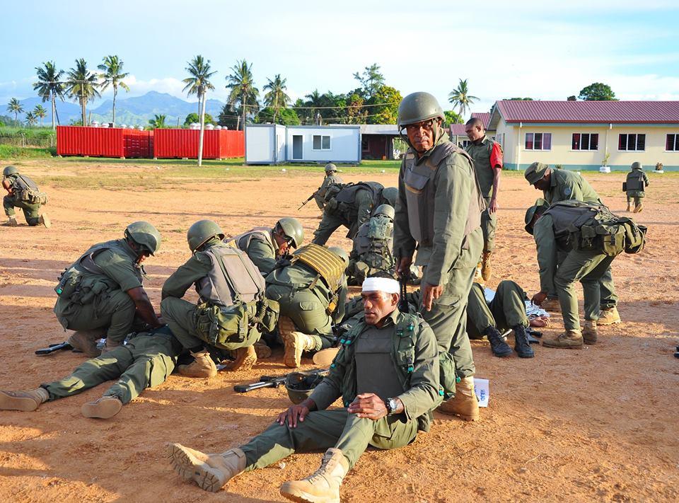 Les Forces militaires de la République des Fidji  /Republic of Fiji Military Forces (RFMF) 00b8h67