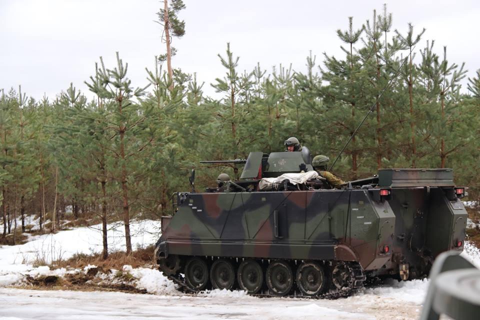 Armée lituanienne/Lithuanian Armed Forces - Page 6 00b8i60