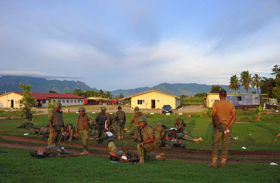 Les Forces militaires de la République des Fidji  /Republic of Fiji Military Forces (RFMF) 00b8i61