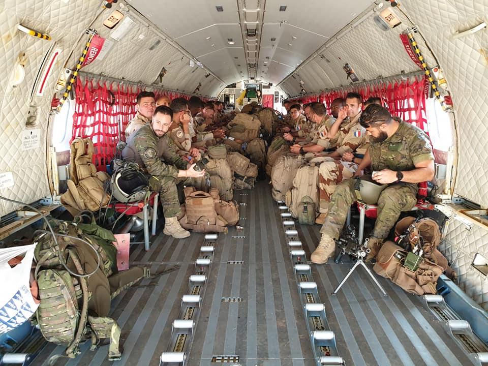 Intervention militaire au Mali - Opération Serval - Page 20 00b8j55
