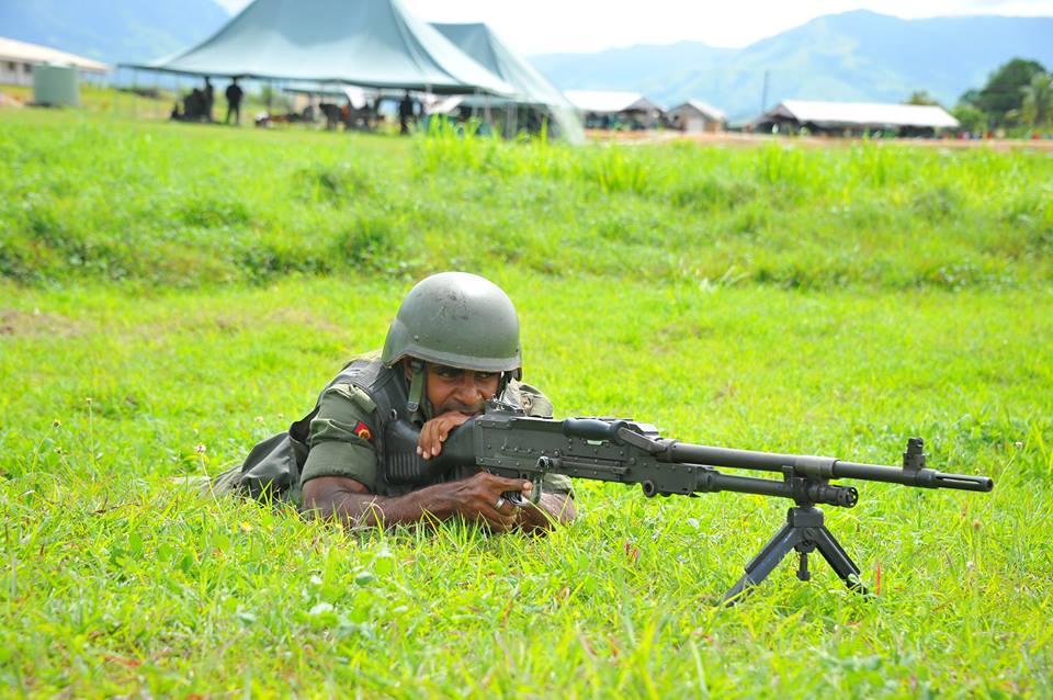 Les Forces militaires de la République des Fidji  /Republic of Fiji Military Forces (RFMF) 00b925