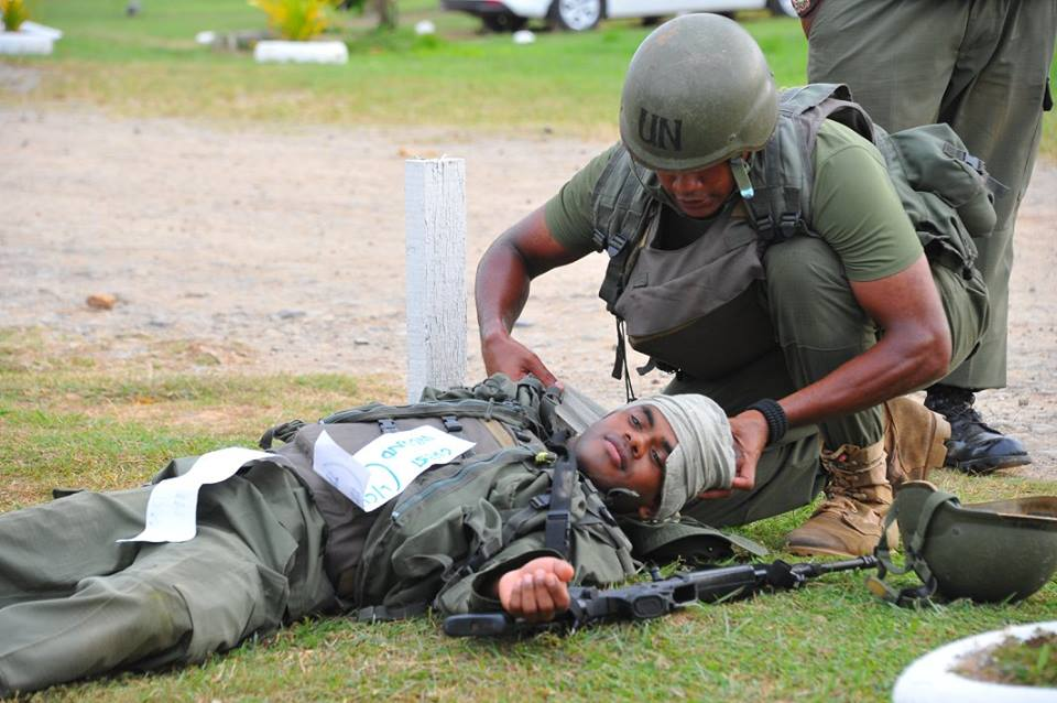 Les Forces militaires de la République des Fidji  /Republic of Fiji Military Forces (RFMF) 00b9a310