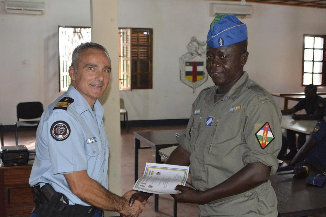 Armées de la République centrafricaine  - Page 9 0ca110