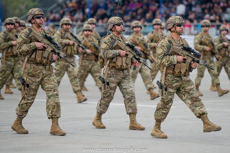 Armée Chilienne / Chile's armed forces / Fuerzas Armadas de Chile - Page 14 10b10