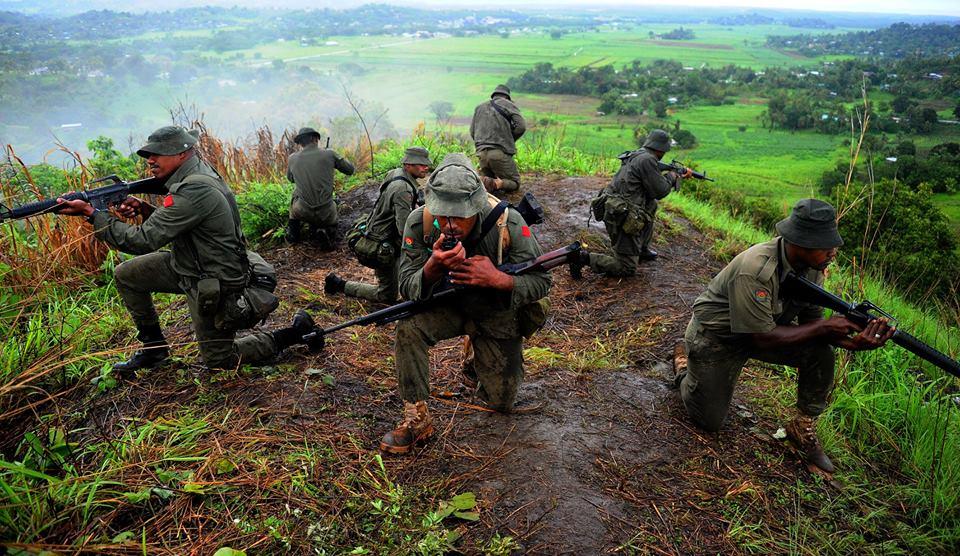 Les Forces militaires de la République des Fidji  /Republic of Fiji Military Forces (RFMF) 10b31