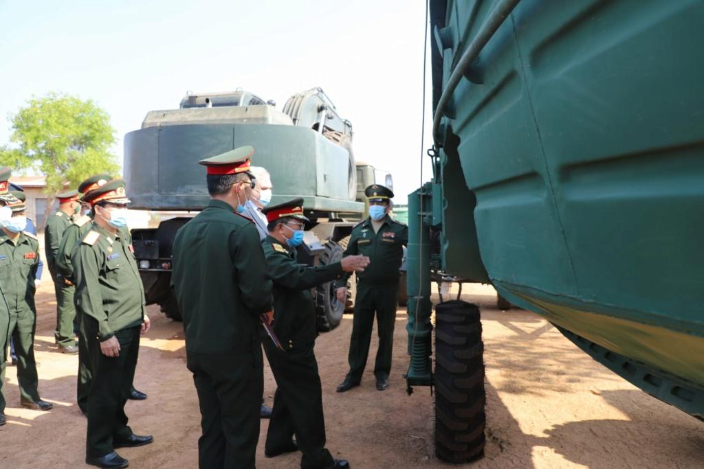 L'Armée populaire lao / forces armées du Laos 11119
