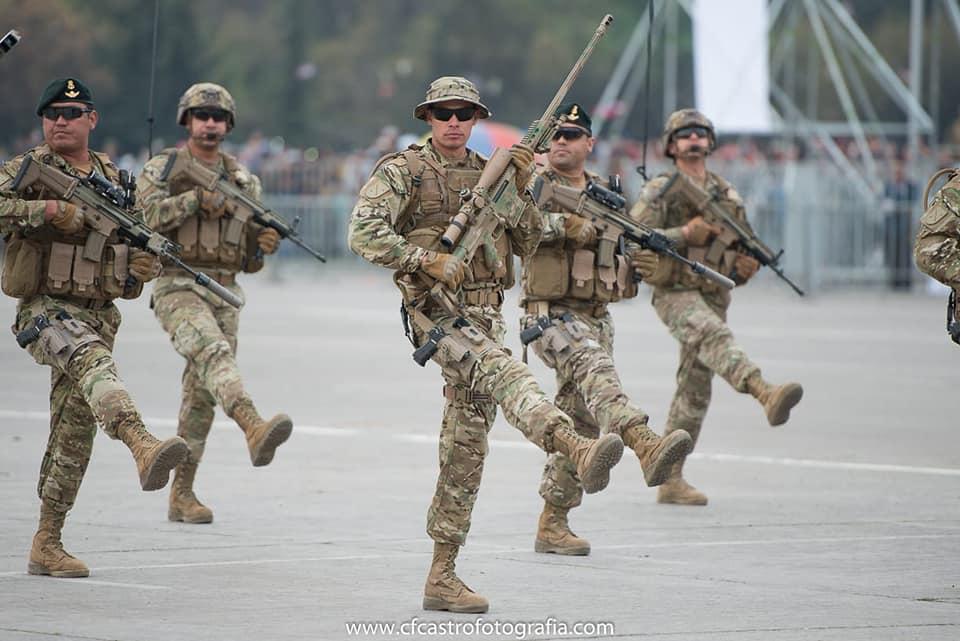 Armée Chilienne / Chile's armed forces / Fuerzas Armadas de Chile - Page 14 1115