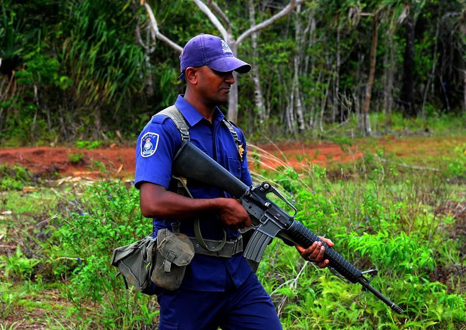 Les Forces militaires de la République des Fidji  /Republic of Fiji Military Forces (RFMF) 11d13