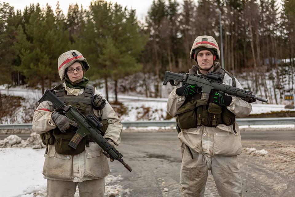 Swedish Armed Forces/Försvarsmakten - Page 13 11e14