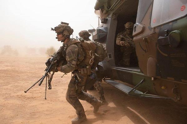 Intervention militaire au Mali - Opération Serval - Page 19 11f19