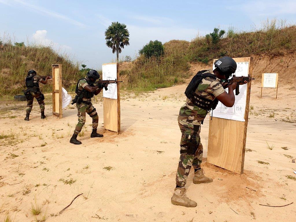 Forces Armées Togolaises / Togolese Armed Forces - Page 2 1280