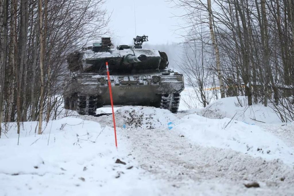 Armée Finlandaise / Finnish Defence Forces / puolustusvoimat - Page 11 1352