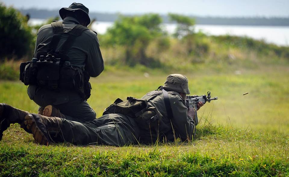 Les Forces militaires de la République des Fidji  /Republic of Fiji Military Forces (RFMF) 13a10b25