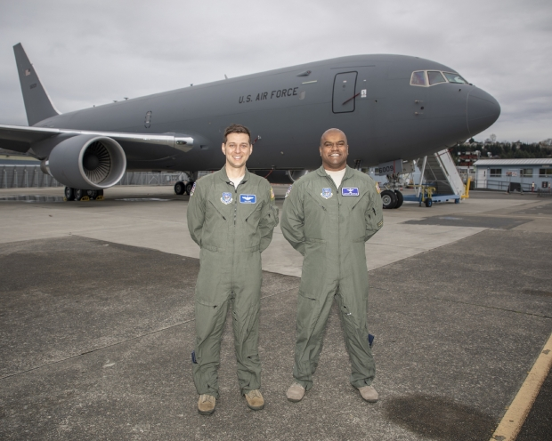 Boeing  KC-46  - Page 2 13a10d44