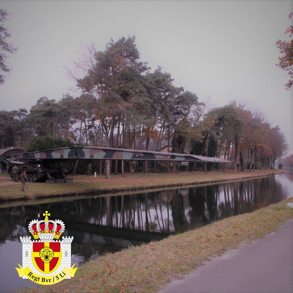 Armée Belge / Defensie van België / Belgian Army  - Page 19 13a10e40