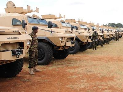 Armée kenyane/Kenyan Armed Forces - Page 5 13a413