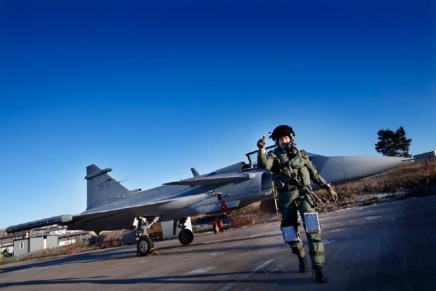 Saab: présentation du futur Gripen - Page 3 13a815