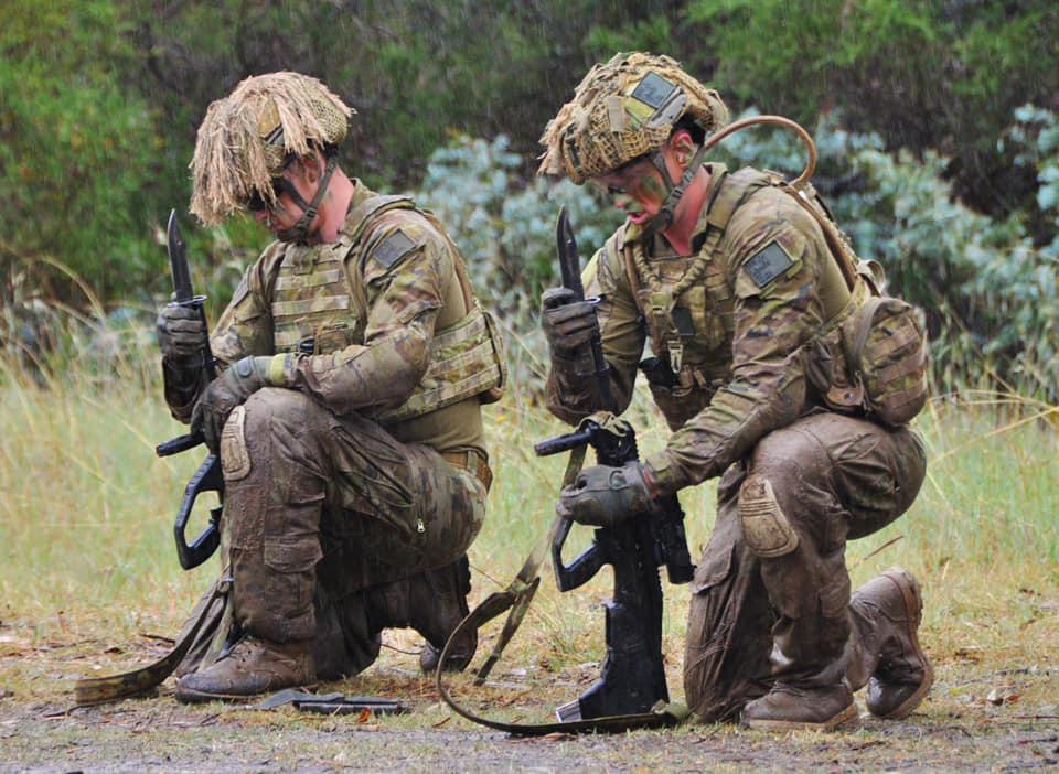 Armée Australienne/Australian Defence Force (ADF) - Page 3 13a946