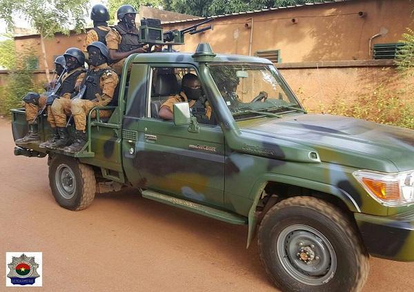 Armée nationale Burkinabé / Military of Burkina Faso - Page 4 13a954