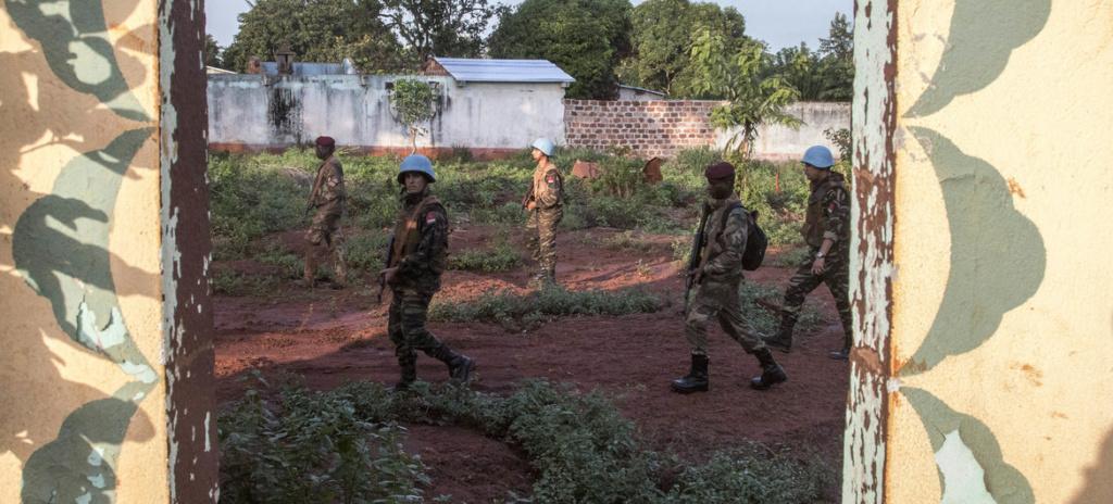 Intervention militaire en Centrafrique - Opération Sangaris - Page 6 1436