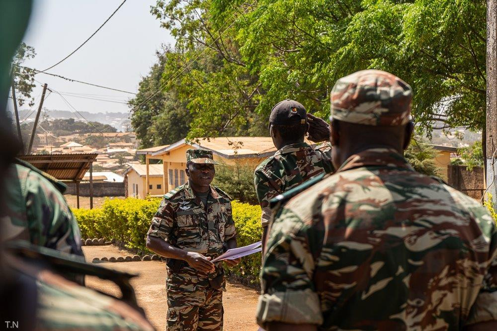 Forces Armées Camerounaises - Page 7 14a26
