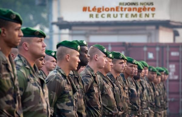 La Légion étrangère - Page 12 14a30