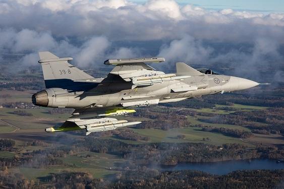 Saab: présentation du futur Gripen - Page 3 15a312
