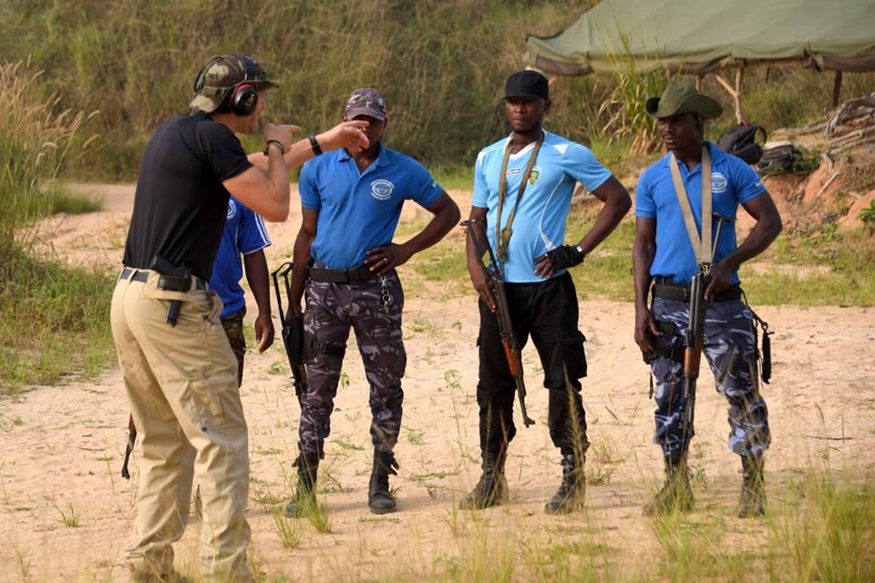 Forces Armées Togolaises / Togolese Armed Forces - Page 2 15a329