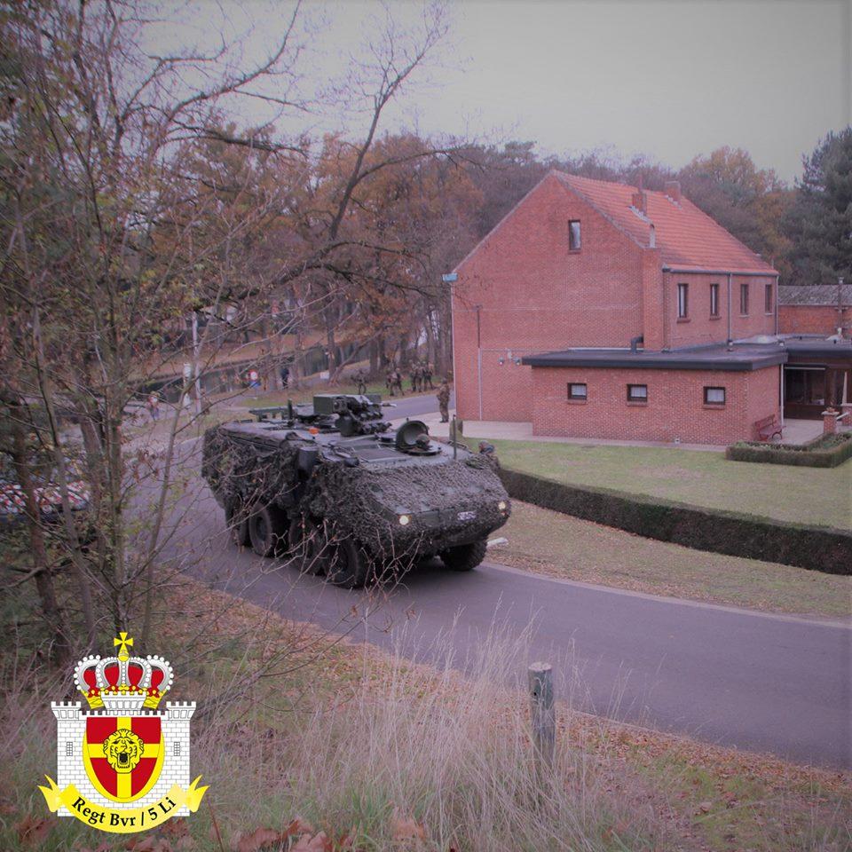 Armée Belge / Defensie van België / Belgian Army  - Page 19 15a611