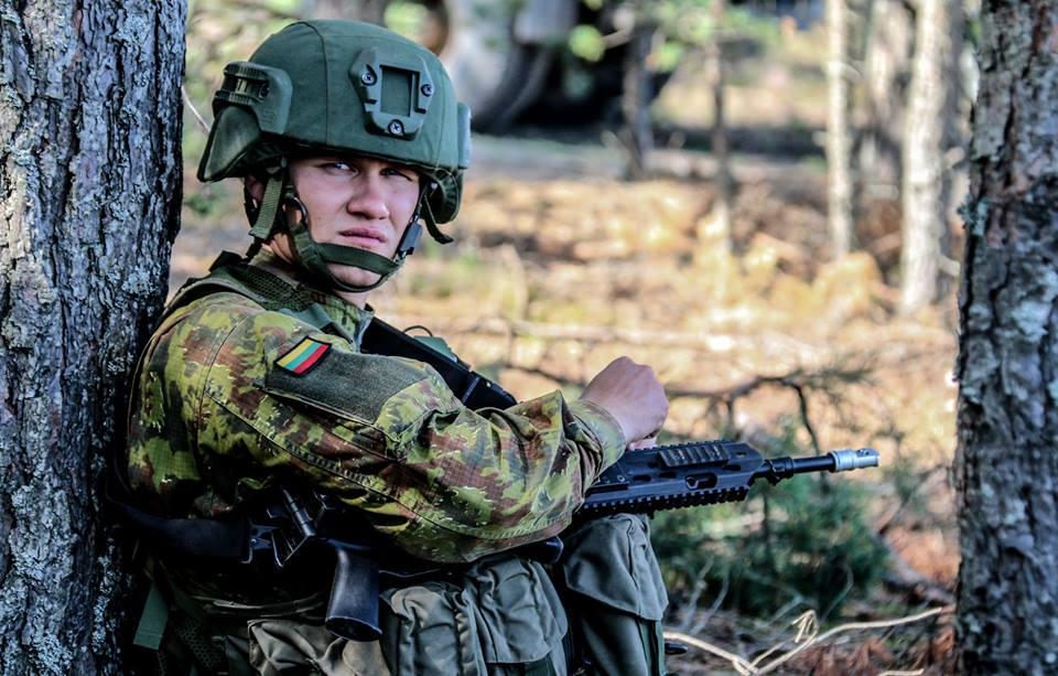 Armée lituanienne/Lithuanian Armed Forces - Page 6 210