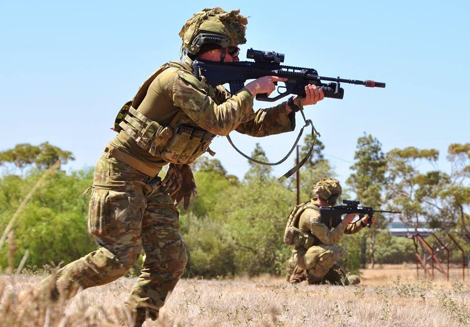 Armée Australienne/Australian Defence Force (ADF) - Page 43 2e10