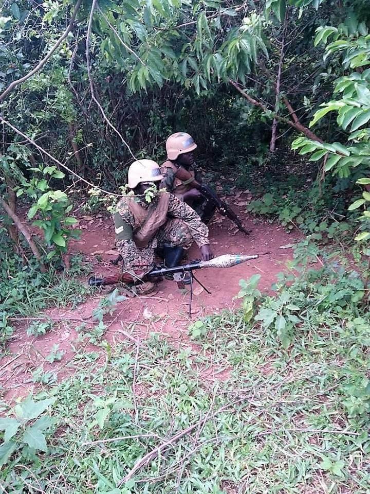 Armée Ougandaise/Uganda Peoples Defence Force (UPDF) - Page 5 3436