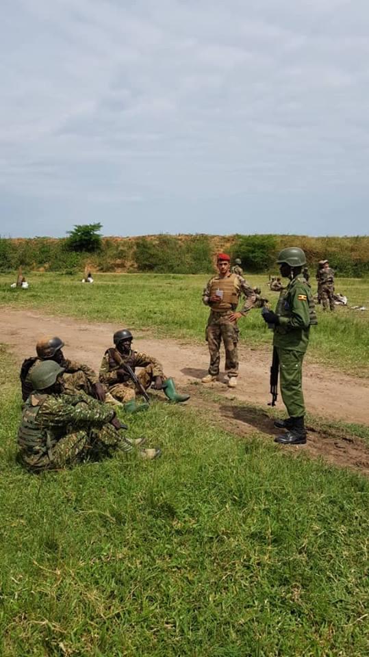 Armée Ougandaise/Uganda Peoples Defence Force (UPDF) - Page 5 3533