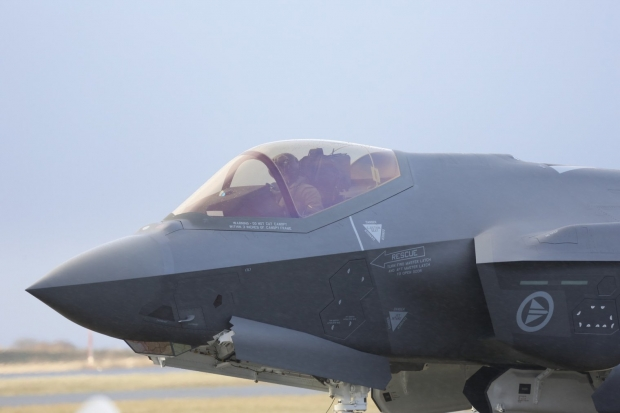 JSF F-35 Lightning II - Page 38 355