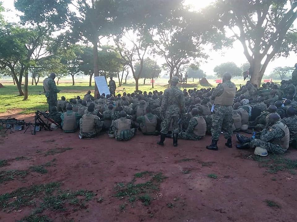 Armée Ougandaise/Uganda Peoples Defence Force (UPDF) - Page 5 3628