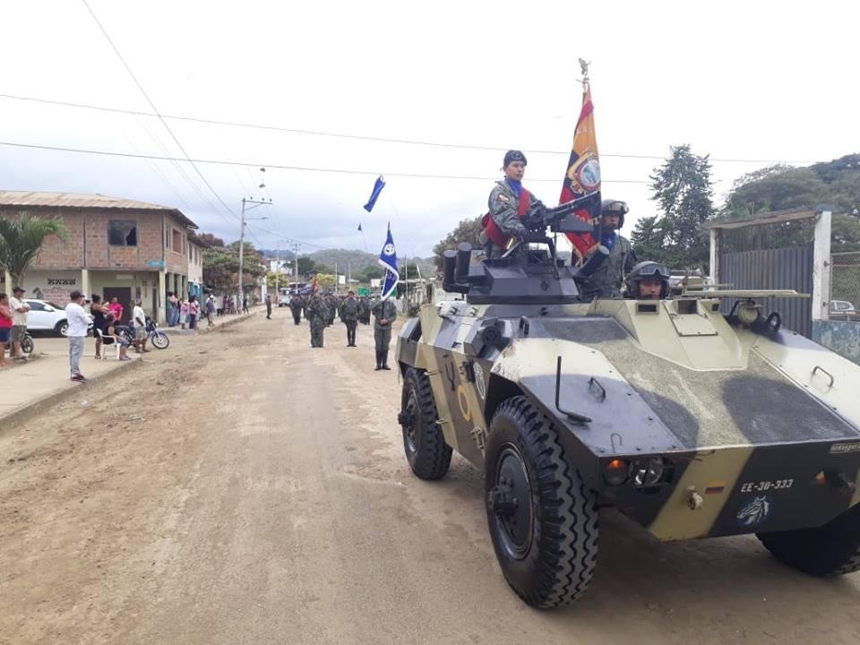 Armée Equatorienne/Fuerzas Armadas del Ecuador - Page 5 4074