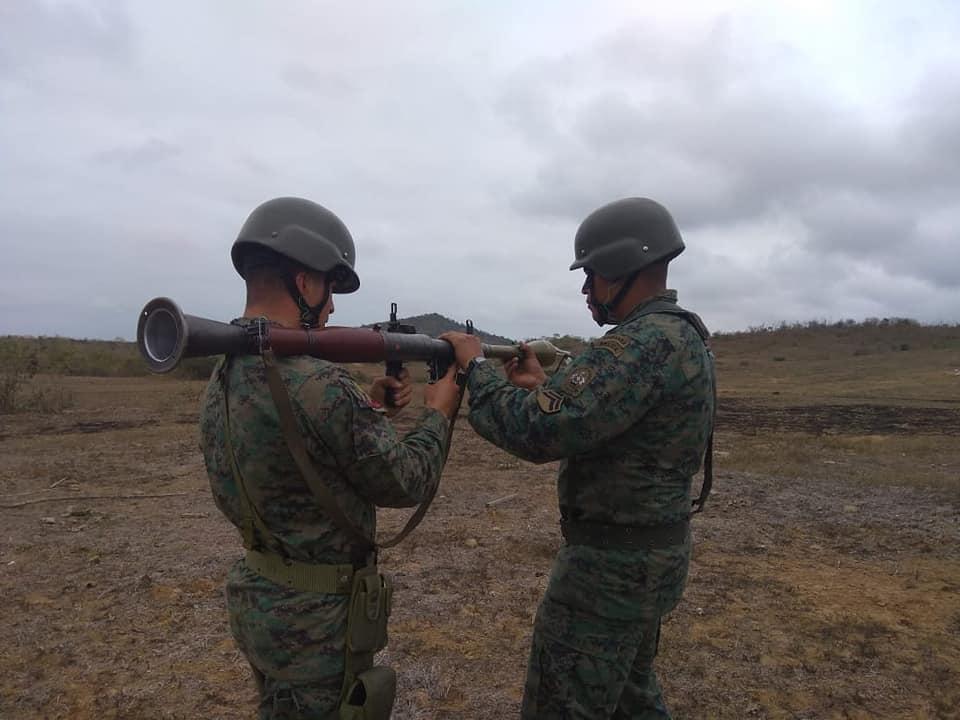 Armée Equatorienne/Fuerzas Armadas del Ecuador - Page 5 42114
